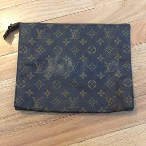 Louis Vuitton makeup/clutch purse euc special